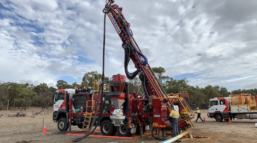 Australian miners join forces to explore Coates Ni-Cu-PGE project