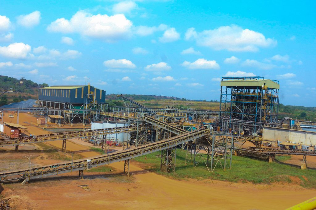 Sierra Leone detains five expatriate managers at iron ore mine