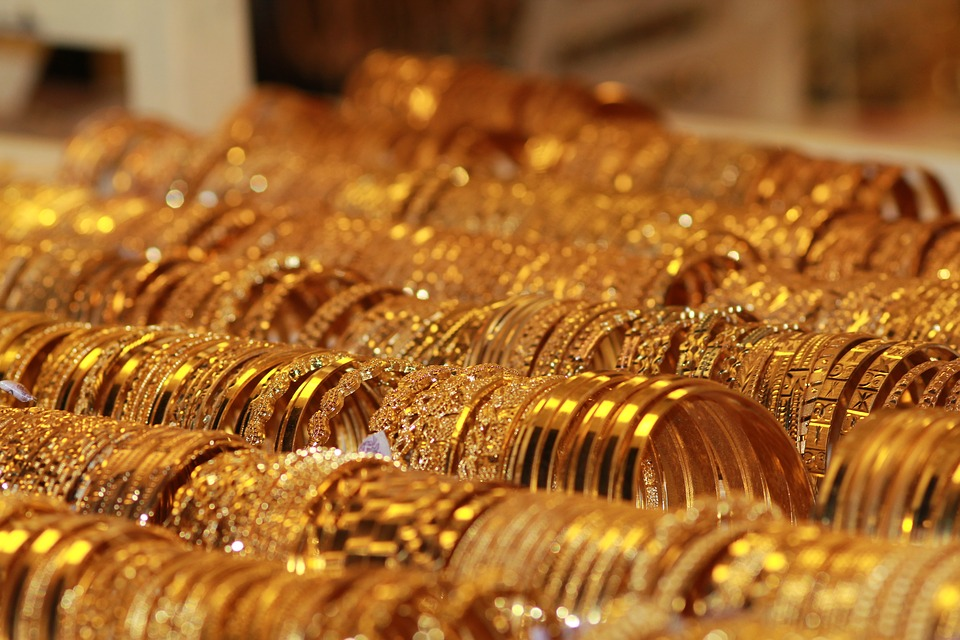 -India's March gold imports surge 471% to a record 160 T –govt source