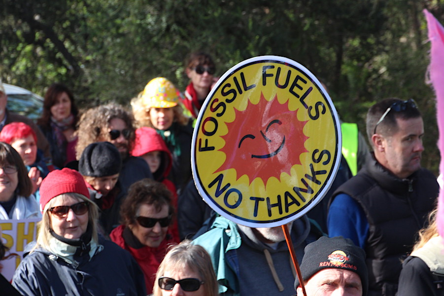 """Fossil fuel industry in """"terminal decline"""" — report"""