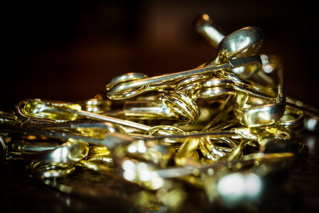 Gold steadies above $1800 on rising virus fears, U.S.-China tensions