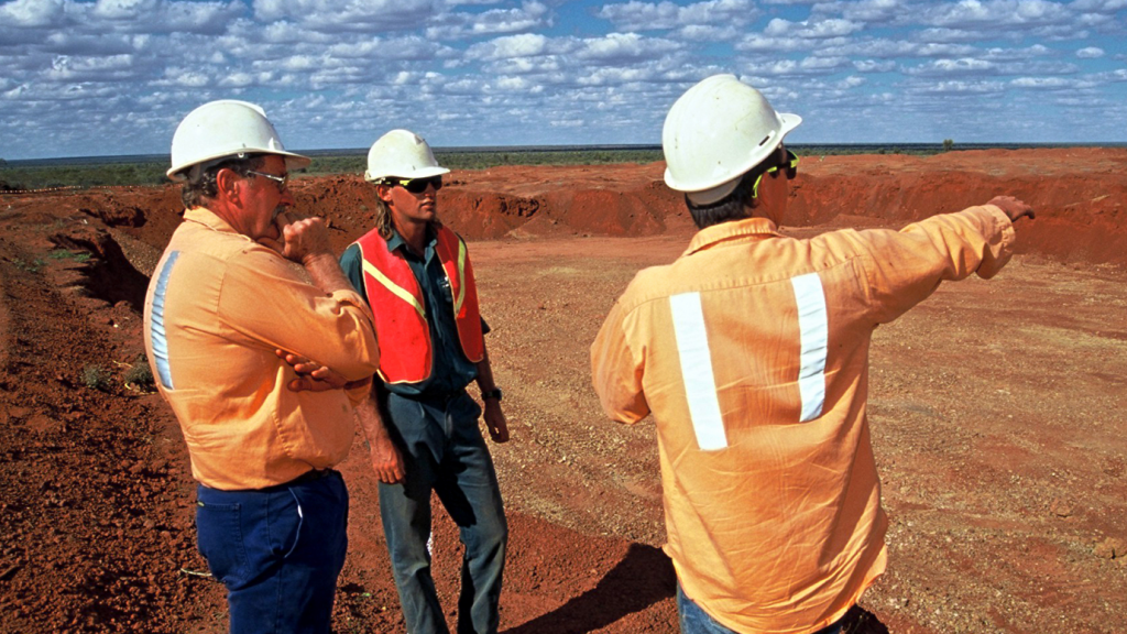 License to operate still 1st risk for mining - report
