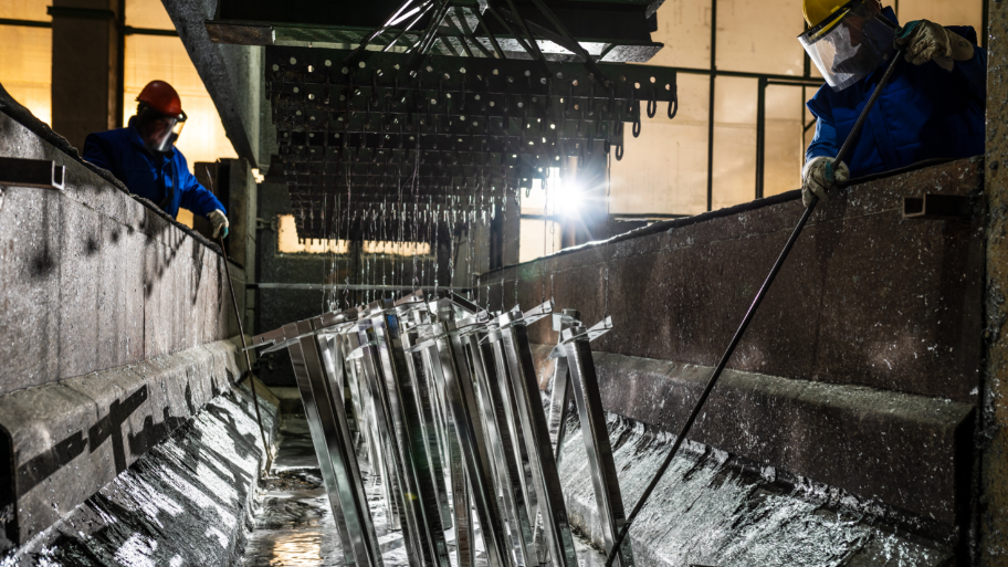 Mind the gap between sister metals zinc and lead: Andy Home