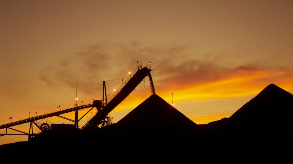 Australian gov't says superannuation funds should support new coal projects