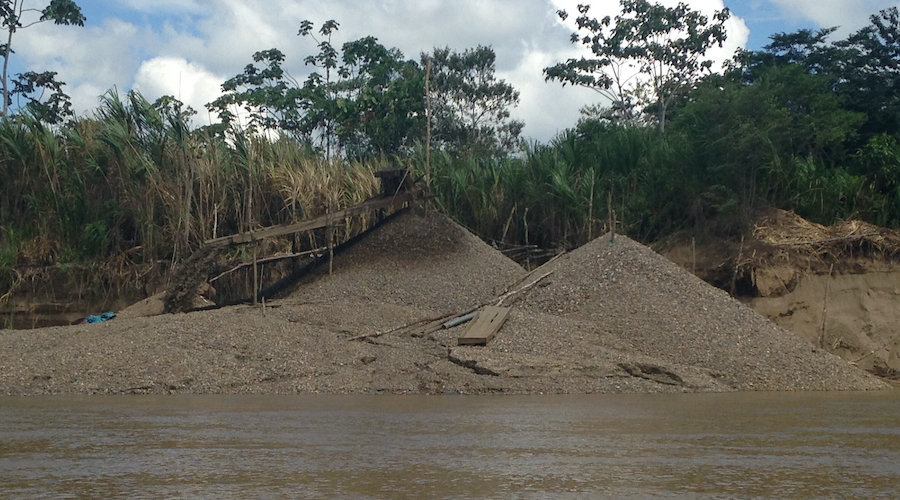 Mine ponds cause toxic mercury pollution in the Peruvian Amazon