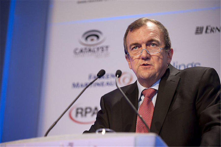 Barrick CEO blasts 'hysterical' fund managers chasing quick cash