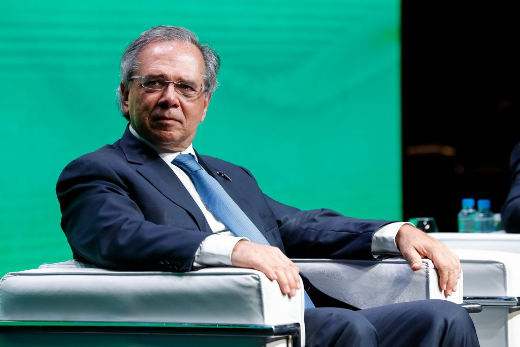 Paying 10% dollar yield, obscure Vale bond is now talk of Brazil