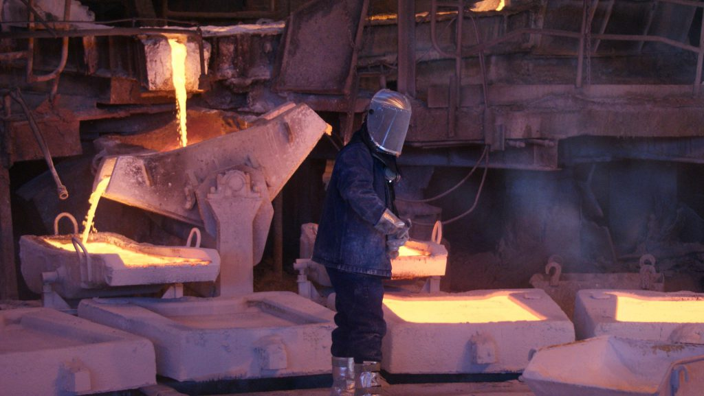 Copper price falls on China power squeeze worries
