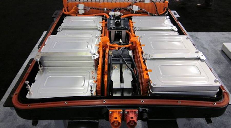 Tight Battery Market Is Next Test for EVs After Chip Crisis