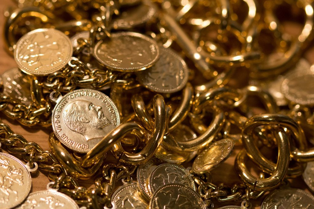 Gold price back above $1,800 as inflation fears linger