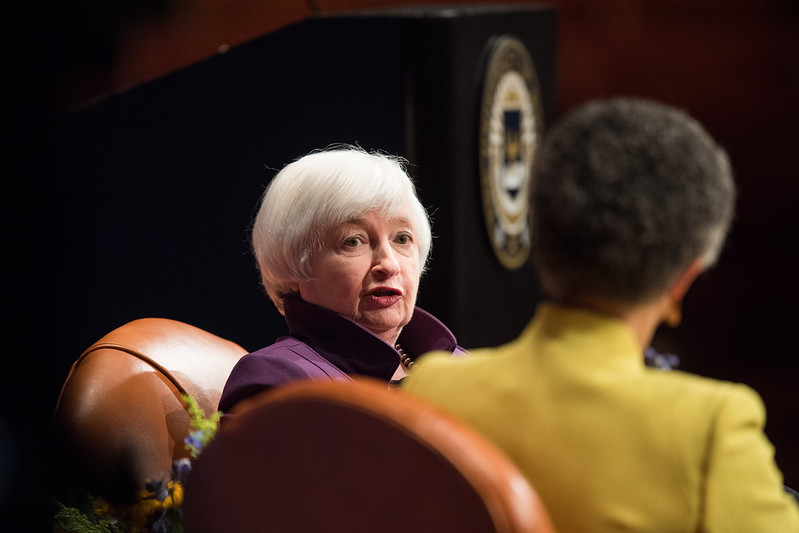 Gold price stays flat as Yellen's comments drove up US yields