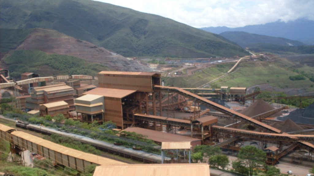 Vale closes mines after evacuation order in dam area