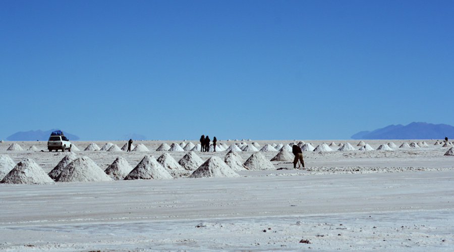 Lithium supply chain threatened by East-West geopolitical tensions - report