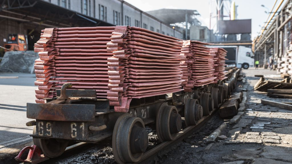 Copper price falls as China's import volumes drop by more than 10%